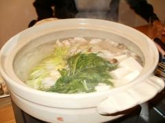 dashi, Dori, poulet,choux chinois épinards, kinoko, tofu soyeux, nouilles de riz soba